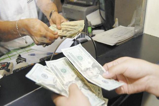 España envía 6.800 millones en 2016 en remesas