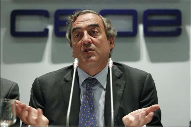 La CEOE propone una subida salarial del 1,5%