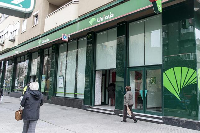 Unicaja banco y espa aduero aprueban el proyecto de fusi n for Oficinas de unicaja en madrid