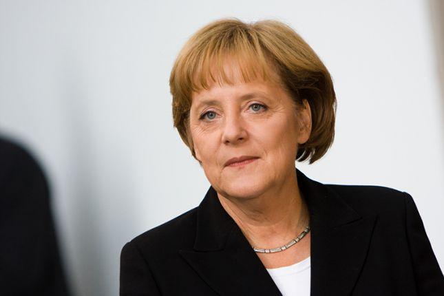 Merkel defiende un impuesto de sociedades franco-alemán