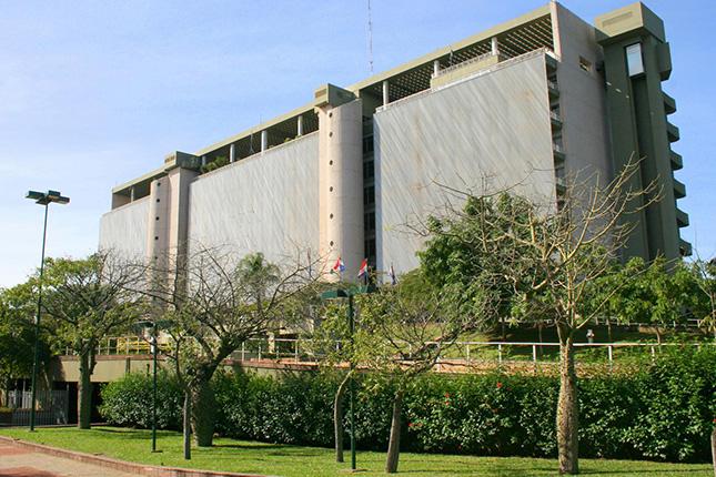 Paraguay coloca 257 millones con su bono 2023