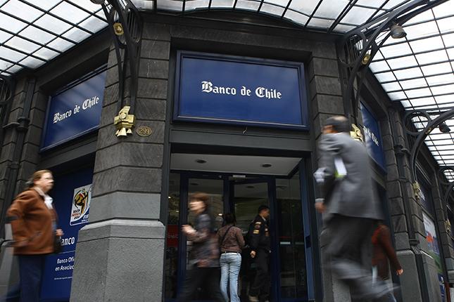 La banca de Chile gana un 22,69% más