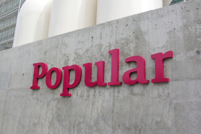 Popular decidirá en septiembre si cobra por uso de cajeros