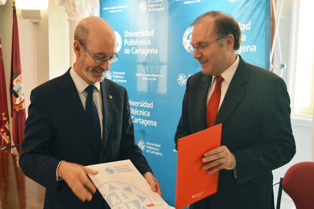 Banco Santander apoya la doble titulación en Turismo de la UPCT