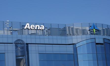 Aena supera los 180 millones de pasajeros en 2015