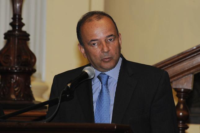Perú y Bolivia amplían convenio de inversiones