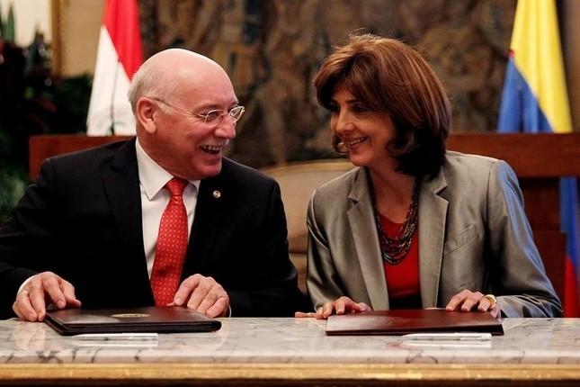 Colombia y Paraguay potencian sus relaciones comerciales