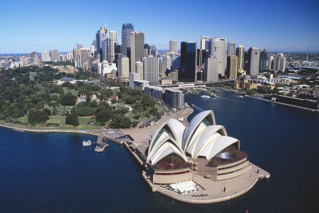 Australia baja los tipos de interés