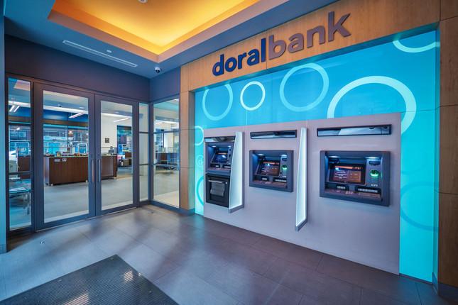 El puertorriqueño Doral Bank cesa sus operaciones
