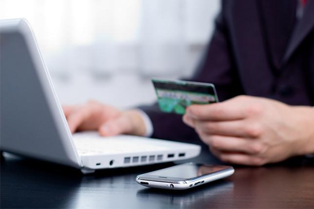 La banca 'online' gana un 10,8% menos en 2016