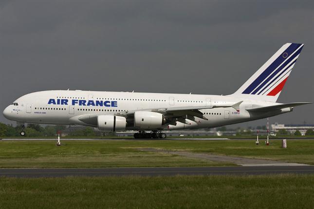 Cancelados el 50% de los vuelos en Francia, por la huelga de controladores aéreos