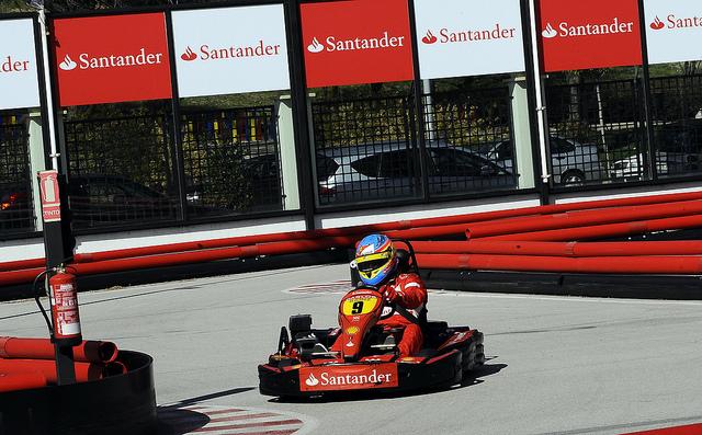 Banco Santander renueva su patrocinio con el campeonato de España de karting