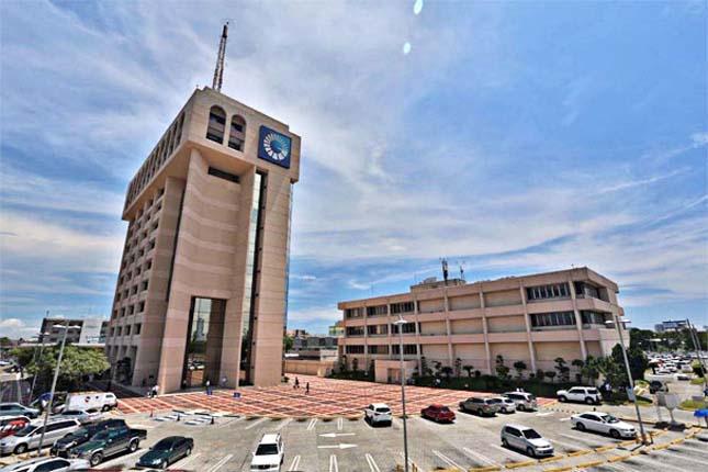 Banco Popular Dominicano auspicia una charla sobre el modelo de gestión de la cantera del Barça