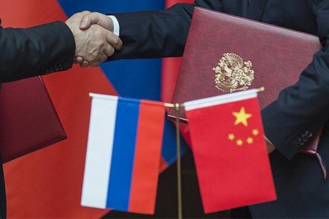 China quiere impulsar la cooperación económica y comercial con Rusia