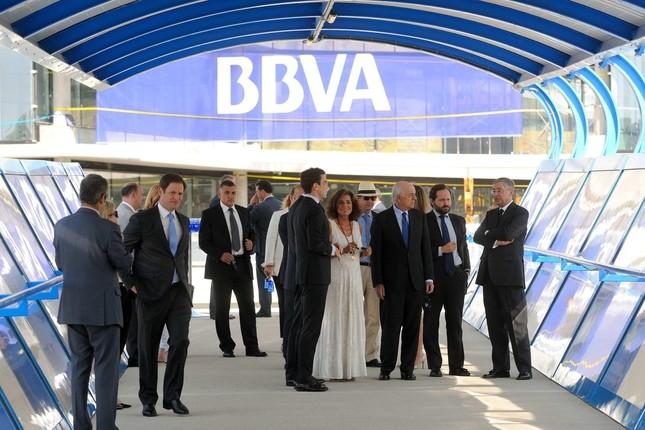Bbva adelanta el traslado de empleados a la vela for Bbva oficina central