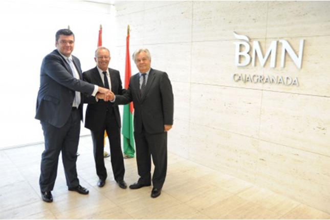 BMN-CajaGRANADA y ASAJA firman acuerdo para ayudar a jóvenes agricultores