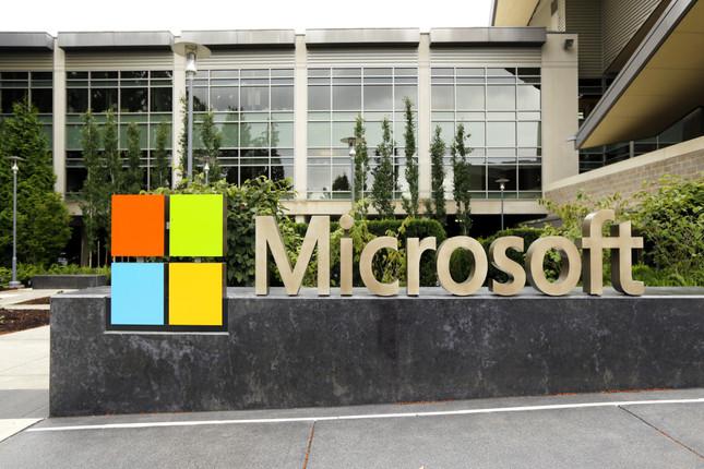 Microsoft rebaja sus previsiones por el coronavirus