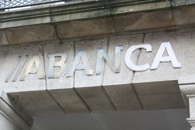 S&P eleva a positiva la perspectiva de Abanca