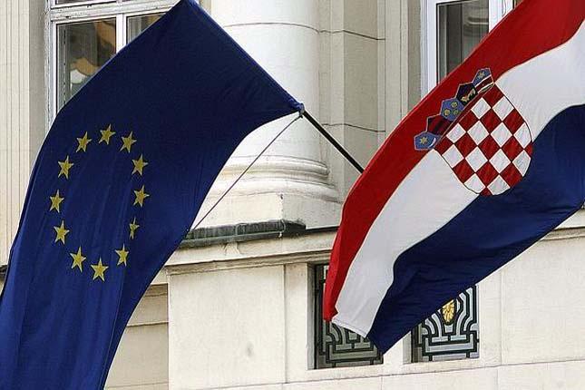 Croacia sigue forzando la conversión de créditos de francos suizos a euros