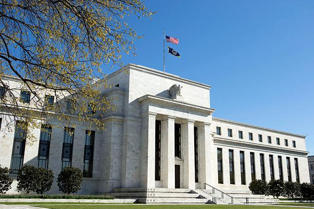 La Fed comienza abril con cambios en las reglas de apalancamiento bancario