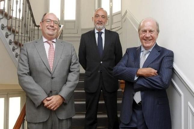 Merchbanc ficha a cuatro exdirectivos de Banco Madrid