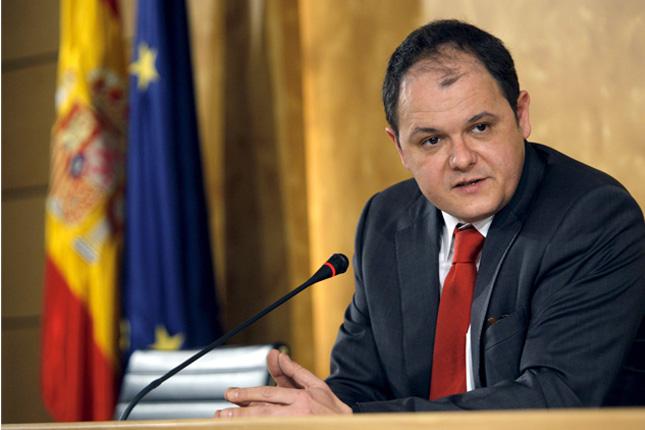 David Vegara realiza una inversión de 38.600 euros en acciones del Sabadell