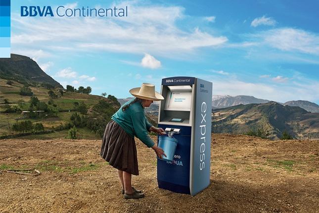 BBVA Continental presenta un cajero automático que dispensa agua
