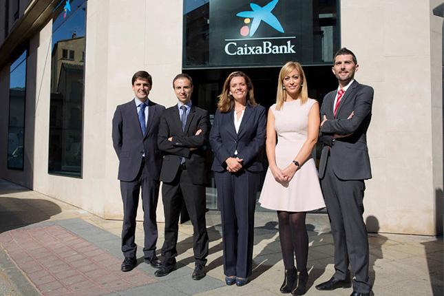 Caixabank inaugura su tercera oficina en estella for Oficinas caixabank valencia