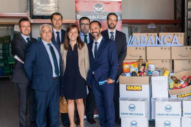 Abanca dona al Banco de Alimentos 5 toneladas de productos