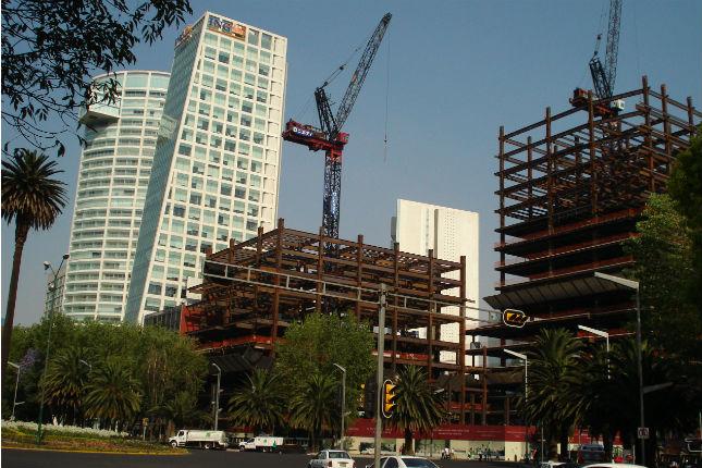 La construcción en España cae un 5,8% en marzo