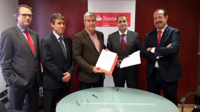 Banco Santander firma acuerdo con Fecoam