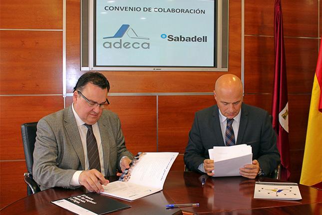 Banco Sabadell firma acuerdo con ADECA