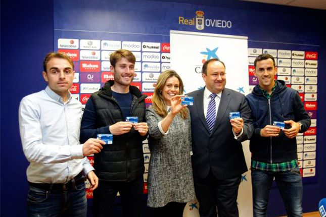 CaixaBank presenta la tarjeta Visa Real Oviedo