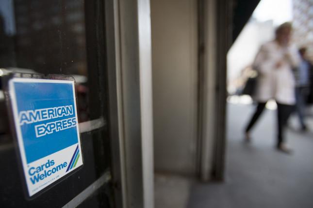 American Express aumenta los beneficios en el primer trimestre