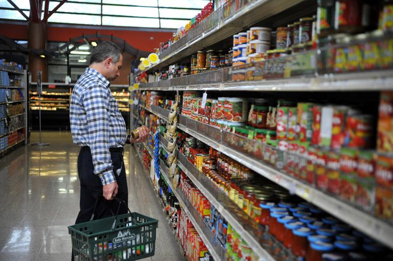 La confianza del consumidor cae 2,6 puntos en marzo