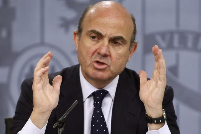 """De Guindos: """"España mantiene un crecimiento intenso"""""""