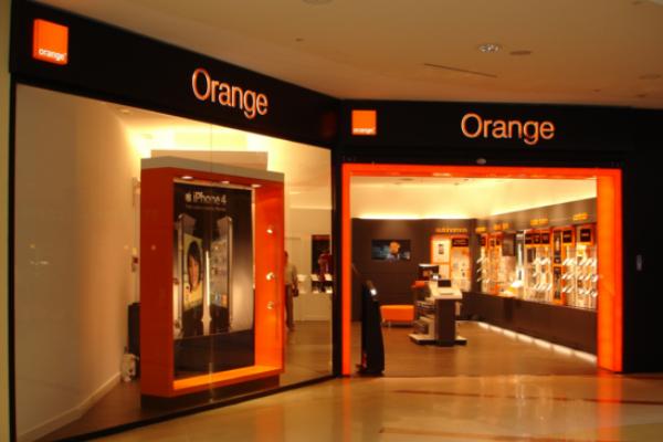 Orange-extiende-su-red-de-fibra-óptica-para-grandes-cuentas-a-las-pymes