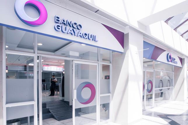 Banco Guayaquil y Manchester United firman una alianza