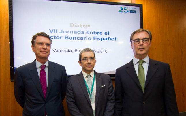 """Bankia y Banco Sabadell abogan por """"normalizar"""" el tipo de interés"""