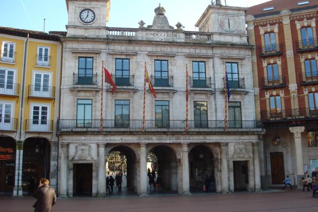 El Ayuntamiento de Burgos acuerda con tres entidades reestructurar deuda
