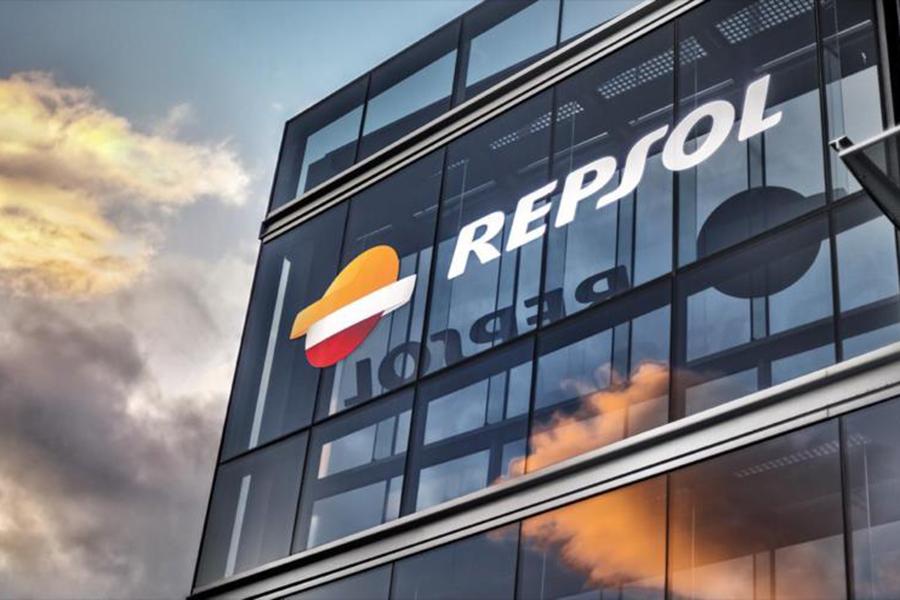 Repsol gana un 26,7 % menos hasta junio
