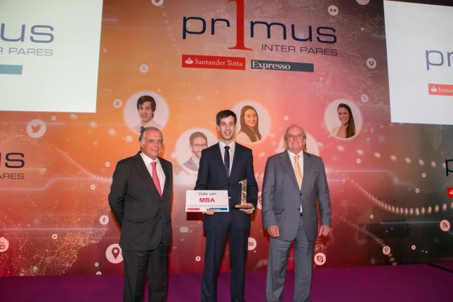Banco Santander distingue a los mejores estudiantes de Portugal