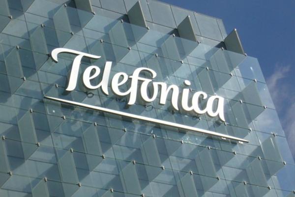 Telefónica logra un beneficio neto de 2.225 millones de euros