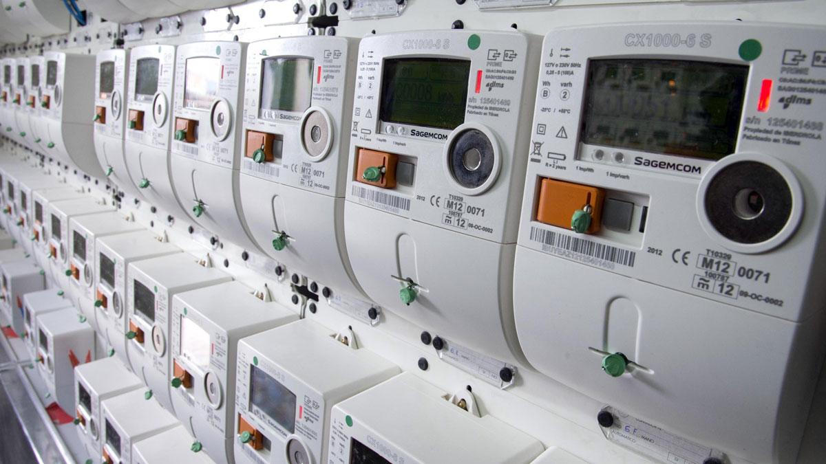 La CNMC investiga las desviaciones en el mercado eléctrico