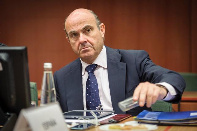 De Guindos: la política monetaria no puede ser la única que actúe