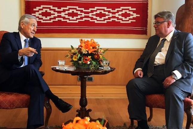 Chile y Finlandia revisan su relación bilateral