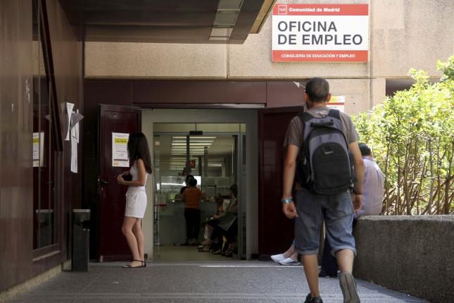 Bruselas pide a España emprender reformas para crear empleo