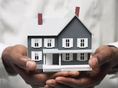 La compraventa de viviendas modera su caída en febrero al 4,3%