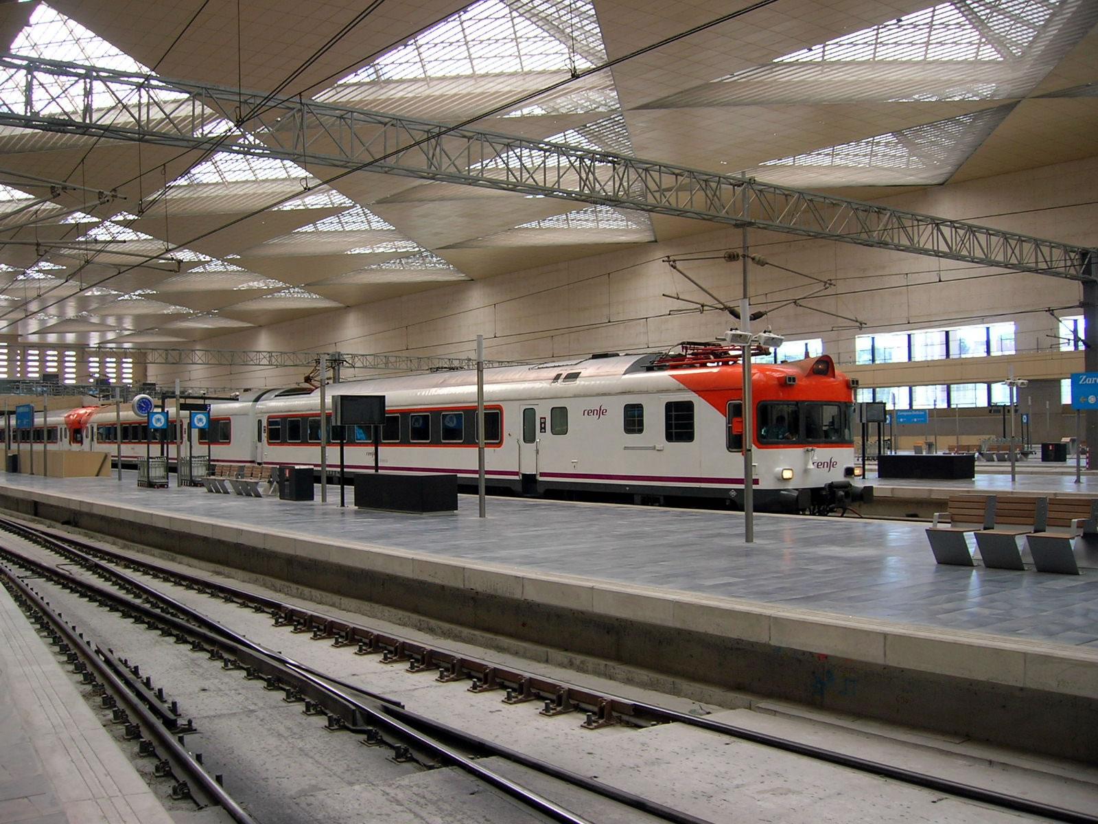 renfe trenes zaragoza