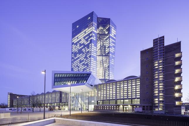 El BCE reduce el techo de liquidez de emergencia de los bancos griegos
